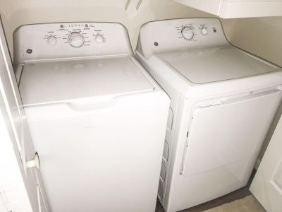 Washer and dryer xl capacity 2 month used