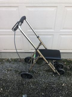 Knee Rover Walker