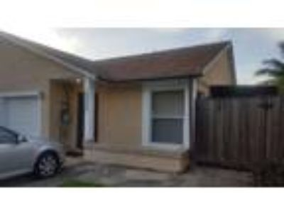 FOR RENT Villa 2/1 With 1 car Garage 33415