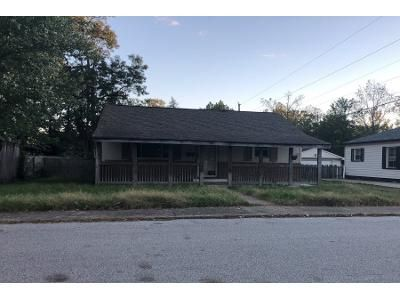 2 Bed 1.0 Bath Preforeclosure Property in Mooresville, IN 46158 - Hadley St