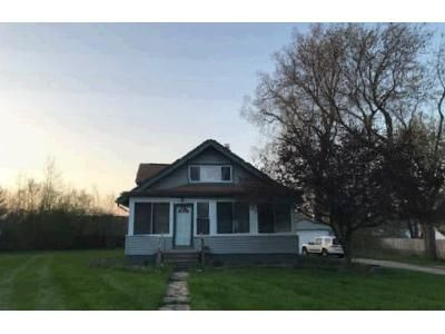 4 Bed 1 Bath Foreclosure Property in Waterford, MI 48328 - Edgefield Dr