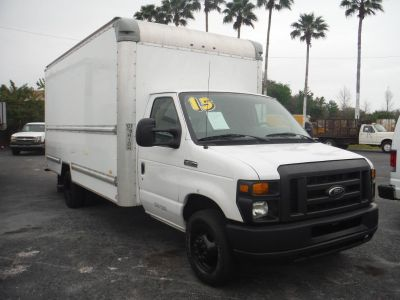 2015 Ford Commercial Vans E350 (White)