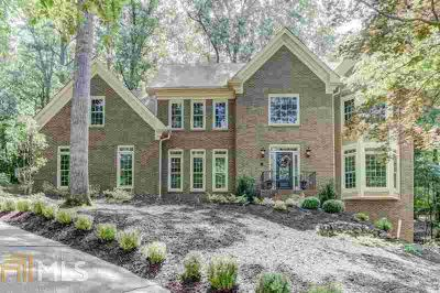 9470 Mistwater Close Roswell Four BR, Top quality all brick
