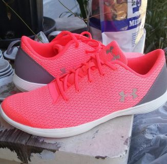 Under armor youth 6.5