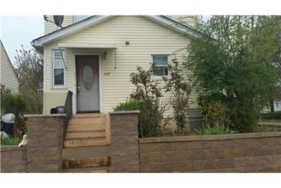 Centrally located 1-2 bdrm 1 fl. good neighborhood