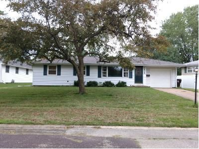 3 Bed 1.0 Bath Preforeclosure Property in Peoria, IL 61615 - W Susan Curv
