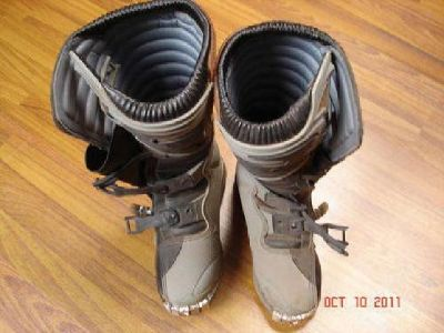 $80 Grey Thor Quadrant Boots SIZE 7 Mens LIKE NEW Only worn twice $80 obo