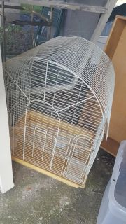 Large Birdcage! Large enough for 2 Love Birds or Small Parrot!