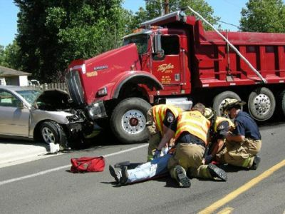 Hiring a Personal Injury Attorney After a Massachusetts Truck Accident