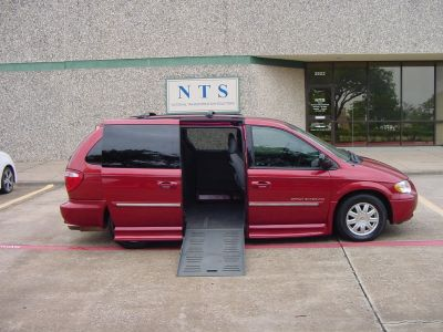 2007 Chrysler Town & Country Touring (BURGUNDY)