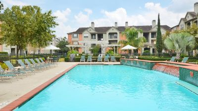 $854, Heights Area Updated Apt- Avail now