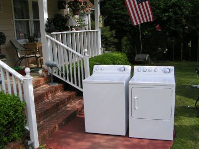 Washer Dryer Set-By GE/Hotpoint- Large tub