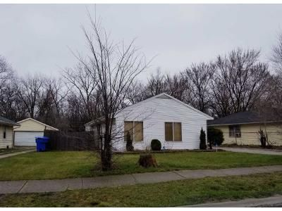 3 Bed 1 Bath Foreclosure Property in Harvey, IL 60426 - Marshfield Ave