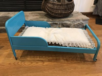 Metal doll bed for 18 inch dolls