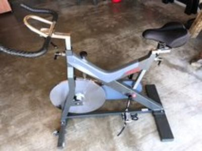 SPINNING EXERCISE BICYCLE