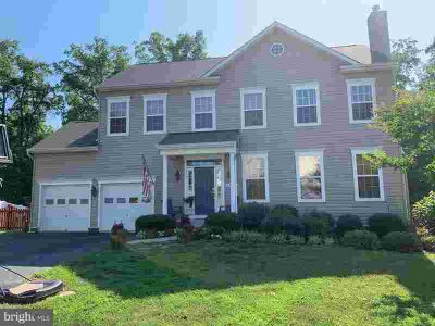 47103 Green Leaf CT LEXINGTON PARK Five BR, Are you tired of