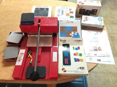 Sizzix system WITH LOTS OF ACCESSORIES