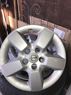 Used rims, tires, wheel covers for Nissan SUV