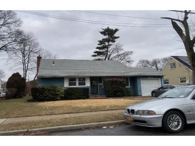 3 Bed 1 Bath Preforeclosure Property in Roosevelt, NY 11575 - Brooks Ave