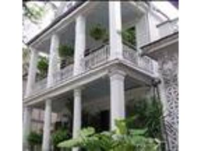 Mansion St. Charles - Bed & Breakfast