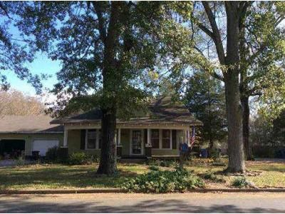 4 Bed 2 Bath Foreclosure Property in Hartselle, AL 35640 - St