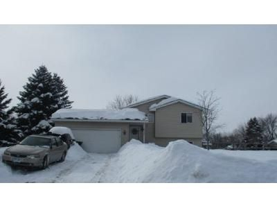 2 Bed 1 Bath Foreclosure Property in Saint Francis, MN 55070 - Woodbine St NW