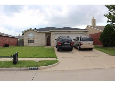 3 Bed 2 Bath Preforeclosure Property in Arlington, TX 76002 - Oregon Trl