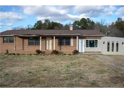2 Bed 1.5 Bath Foreclosure Property in Salisbury, NC 28144 - Pinevale Dr