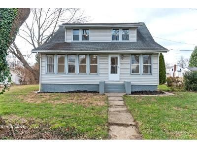 4 Bed 2 Bath Foreclosure Property in Canton, OH 44708 - Lakeside Ave NW