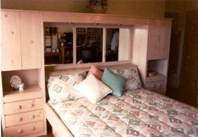 Looking for a full or queen headboard like this!