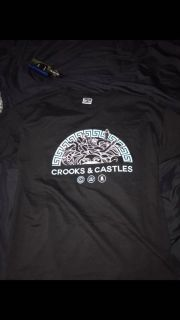 Authentic crook and castles t shirt