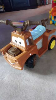 Car's Tow Mater electric ride-on car