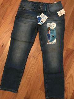 Size 9 Crop Pants with stretch