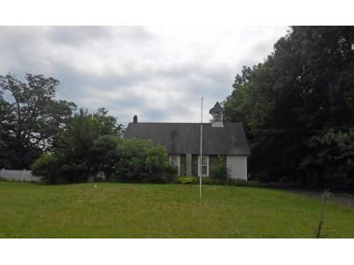 3 Bed 1 Bath Preforeclosure Property in Doylestown, PA 18902 - Point Pleasant Pike
