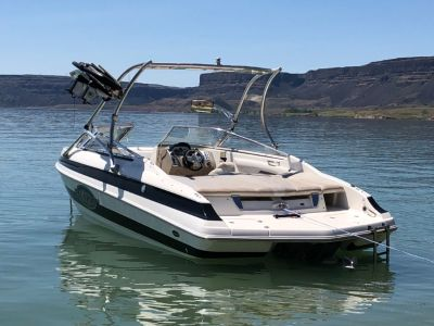 2006 Larson Ind LXI 228 WAKEBOARD ED