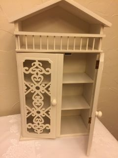 Cabinet/free standing or hang on wall