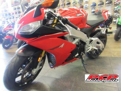 2014 Aprilia RSV4 R APRC ABS SuperSport Motorcycles Sacramento, CA