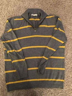 Old Navy sweater size L
