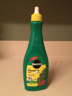 Miracle Gro liquid house plant food NEW