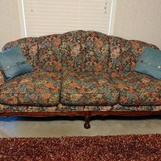 Beautiful floral print couch and loveseat