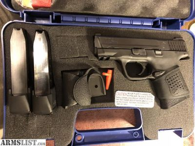 For Sale/Trade: S&W M&P 40c, .40 and 300 rds ammo