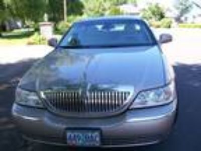2003 Lincoln Town Car for Sale by Owner