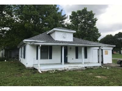 2 Bed 1 Bath Foreclosure Property in Junction City, KY 40440 - Cemetery St