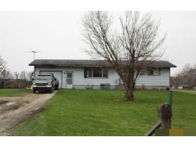 3 Bed 2 Bath Foreclosure Property in Marengo, IL 60152 - Hawthorn Rd