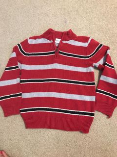 Very good condition pullover 4T