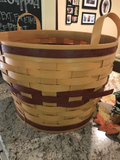 Outdoor basket to cover potted plants