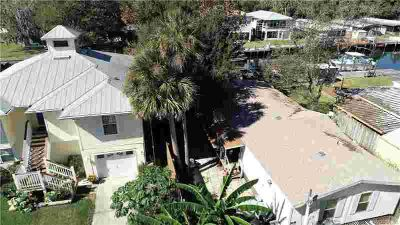 2610 N Comanche Point Crystal River Three BR, private waterfront