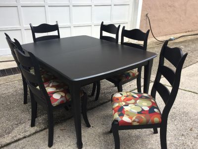 Kitchen Table with 7 chairs