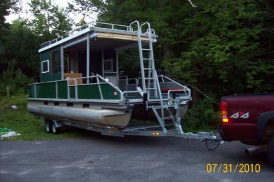 1989 Tracker Pontoon