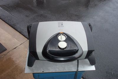 YOUR CHOICE OF ELECTRIC GRILLING MACHINES.
